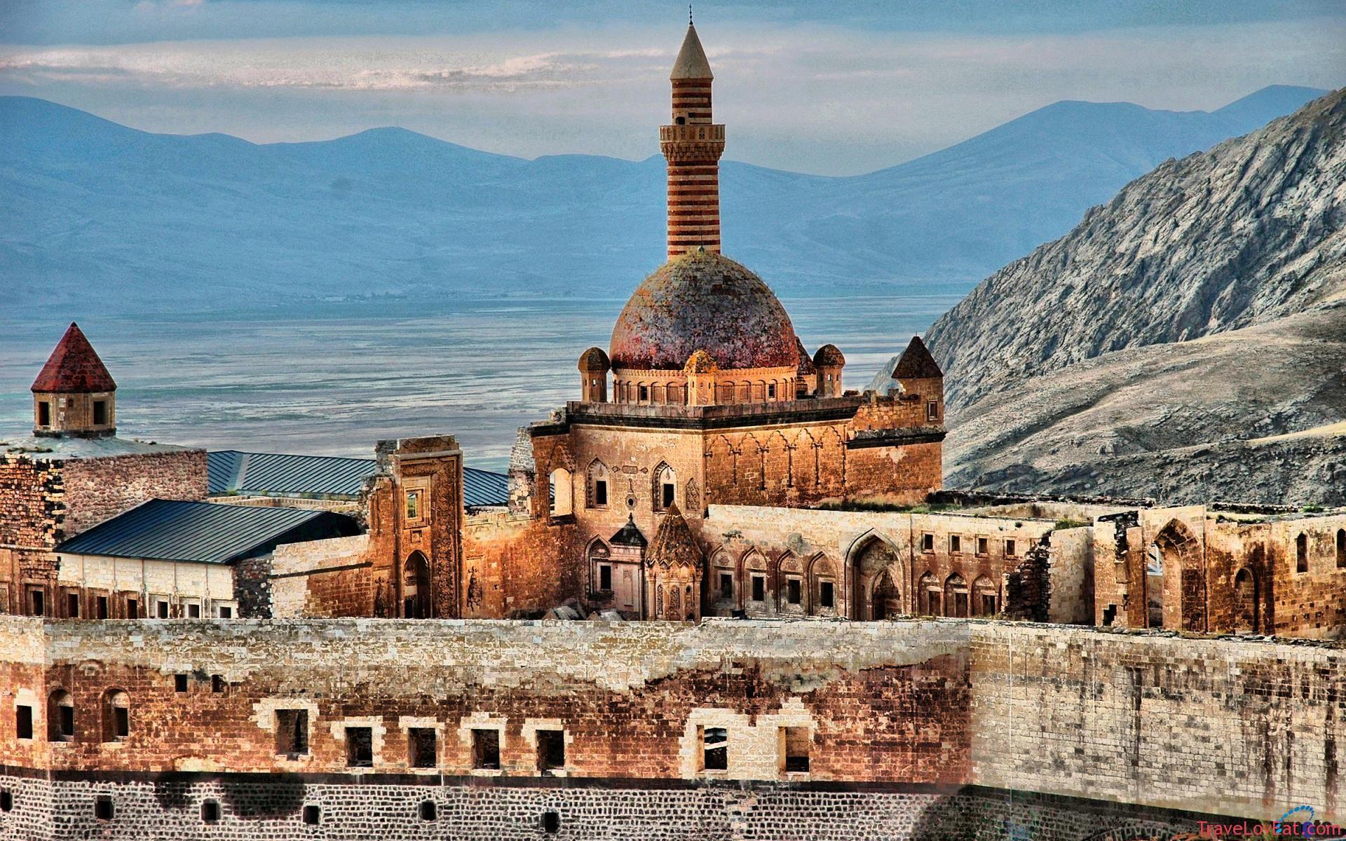 ishak-pasha-palace-agri-turkey-travel-6_bba71